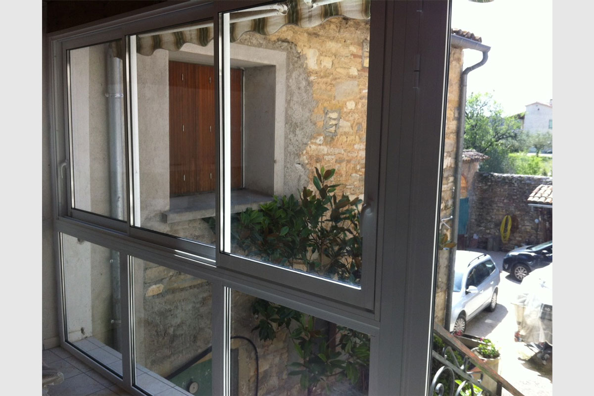 Fenêtre fermeture de balcon