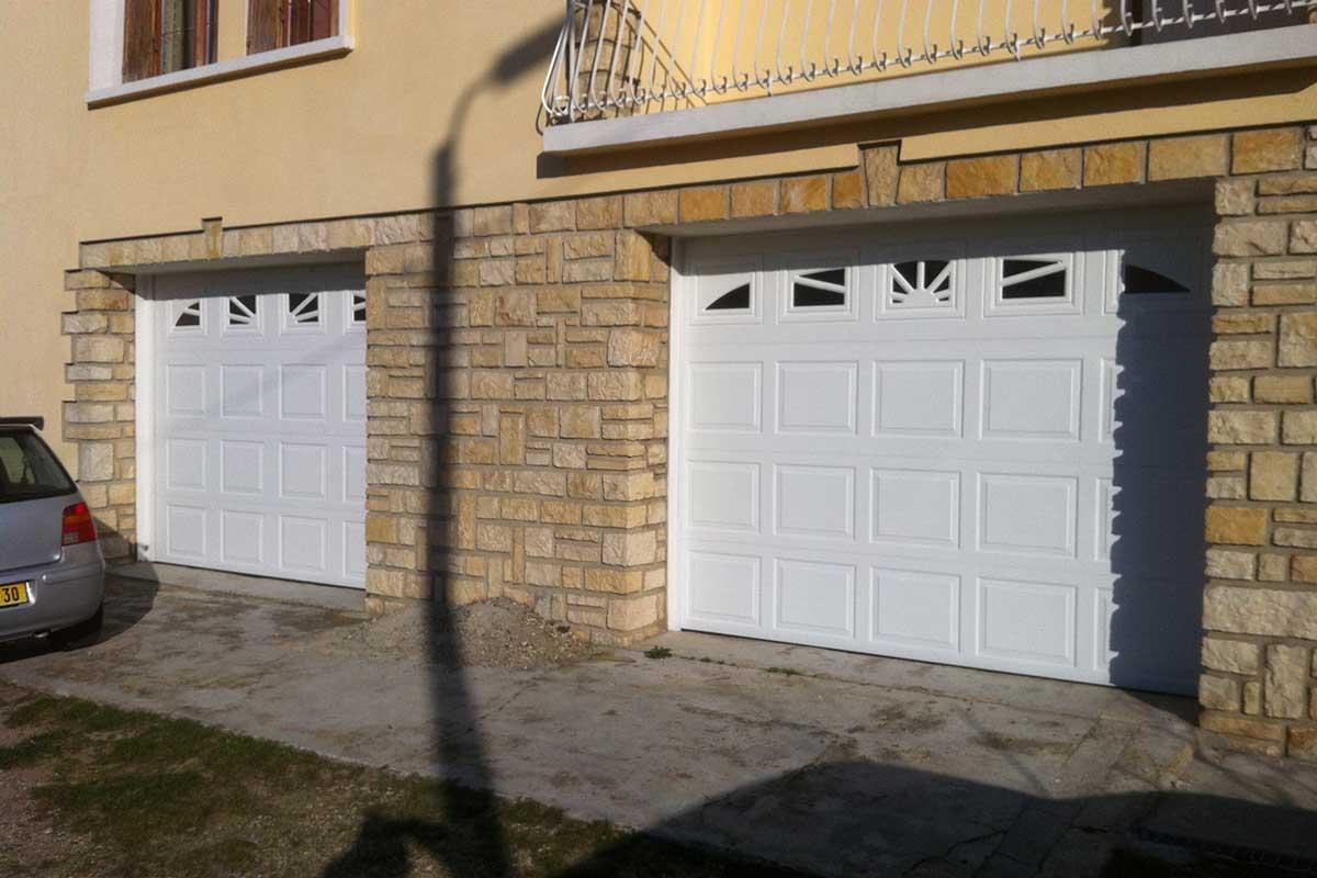 Porte de garage sectionnelle double