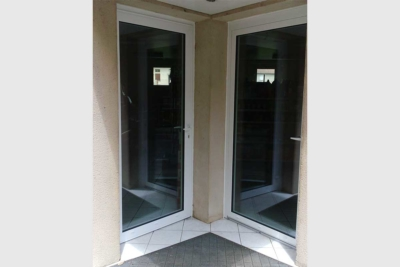 Portes d'entrée vitrée PVC