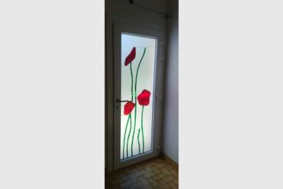 Porte d'entrée vitrée PVC coquelicots