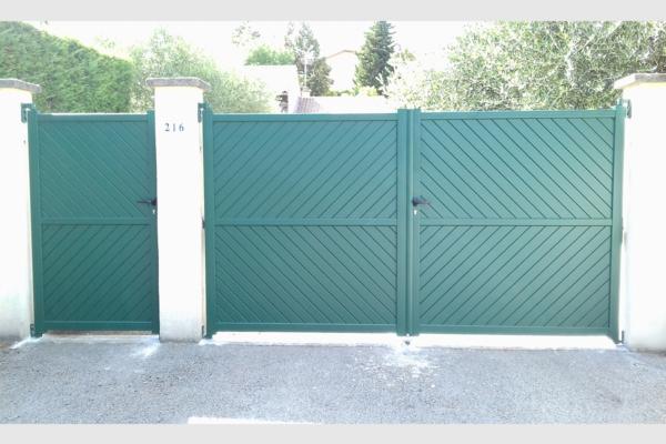 Portail et portillon en aluminium vert