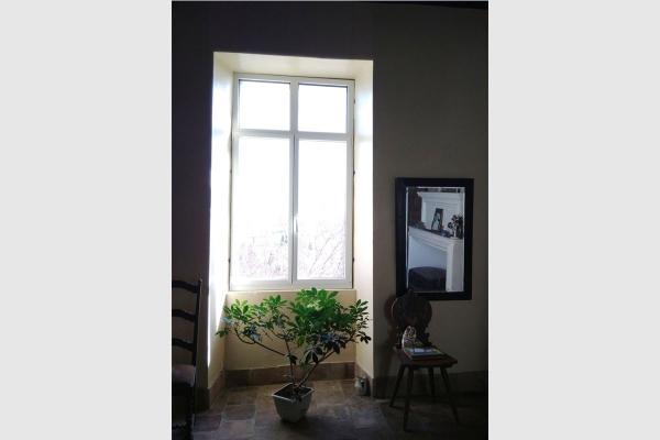 Fenêtre en aluminium bicolore avec faux meneau