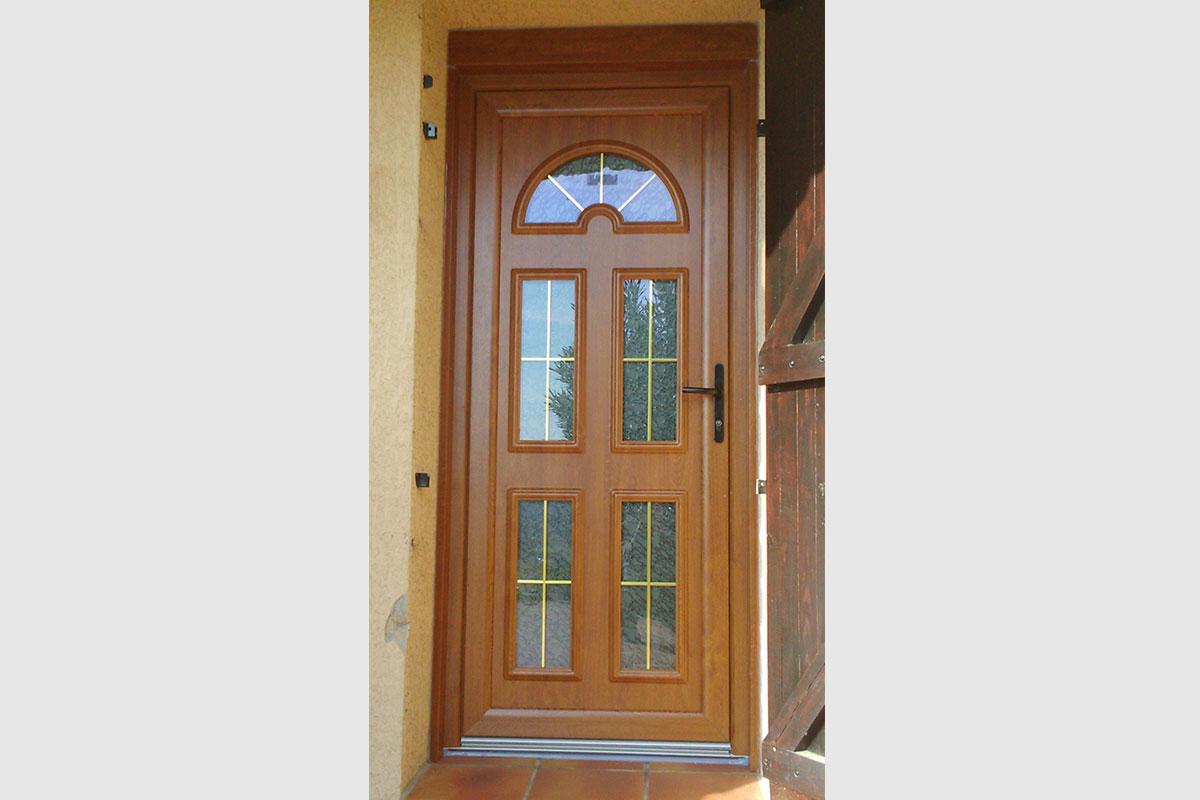 Porte Dentrée En Alu Bois Et PVC à Alès Gma Fenêtres - Porte d entree pvc couleur