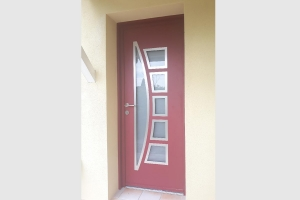 Porte d'entrée en aluminium bicolore rouge basque
