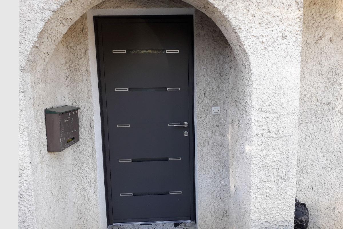 porte-entree-aluminium-gris-anthracite