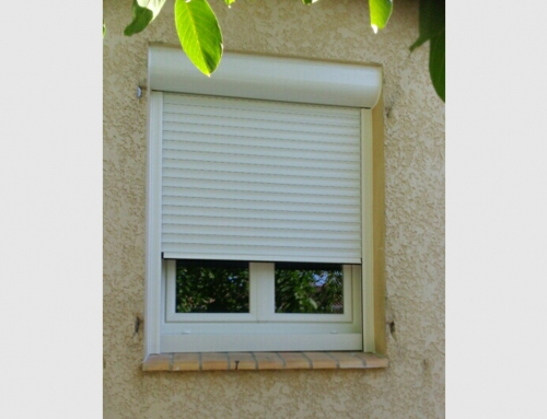 Fenêtre PVC blanc et volet roulant motorisé