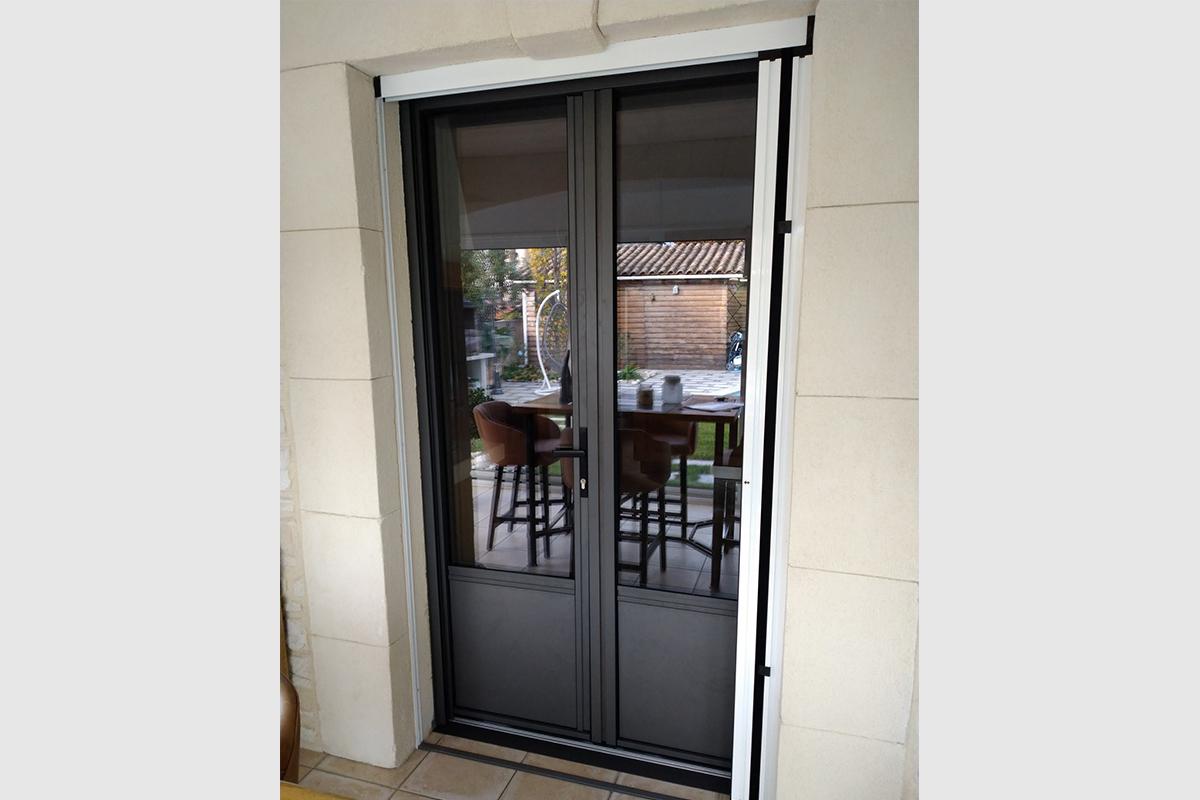 porte-fenetre-aluminium-gris-sable
