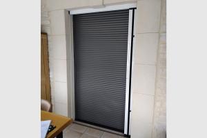 volet-roulant-integre-porte-fenetre-aluminium