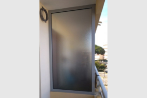 chassis-fixe-alu-gris-vitrage-granite