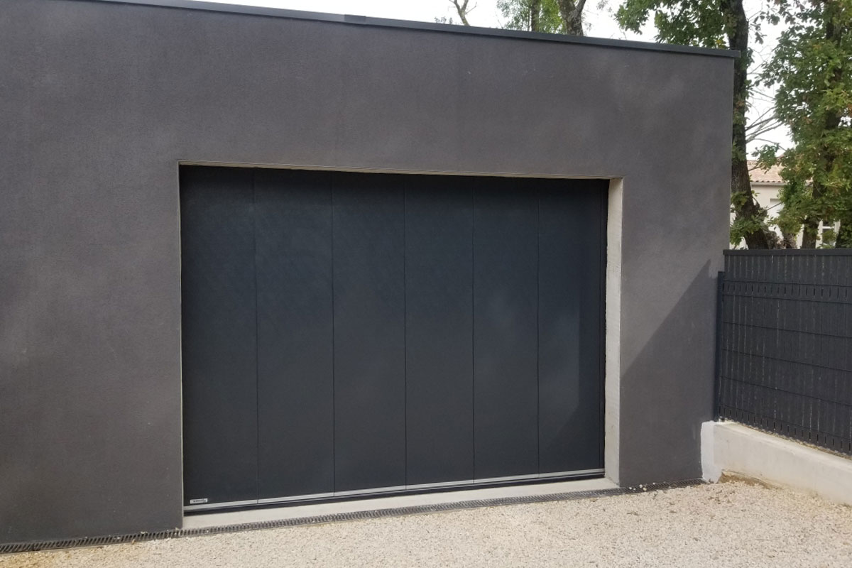 porte-de-garage-a-deplacement-lateral