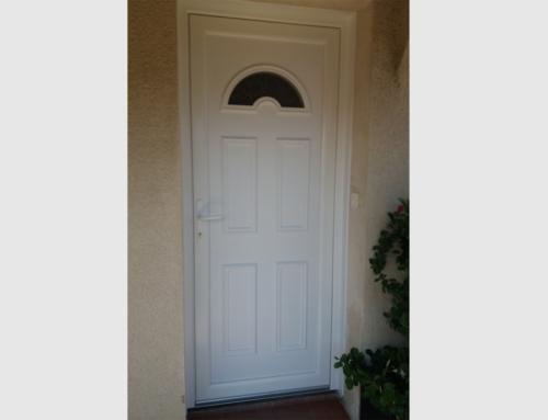 Porte d'entrée en PVC blanc modèle marquise