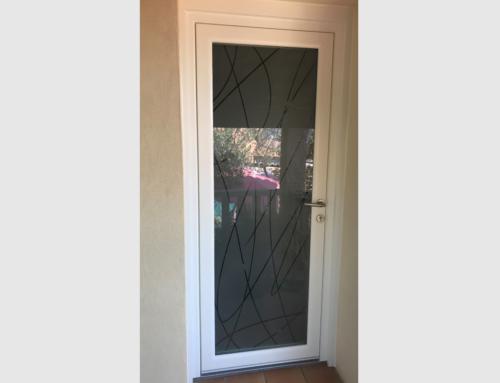Porte d'entrée PVC blanc avec vitrage verrissima