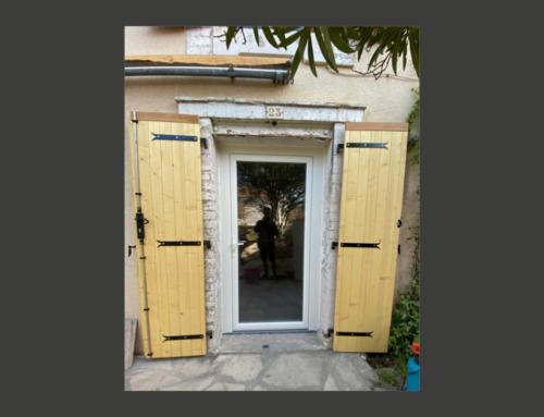Rénovation porte-fenêtre en PVC et volets battants en bois