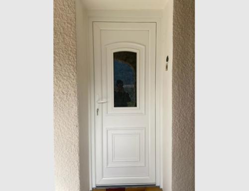 Porte entrée PVC blanc